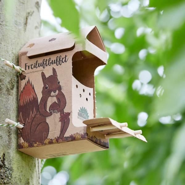 Freiluftbuffet Eichhörnchen